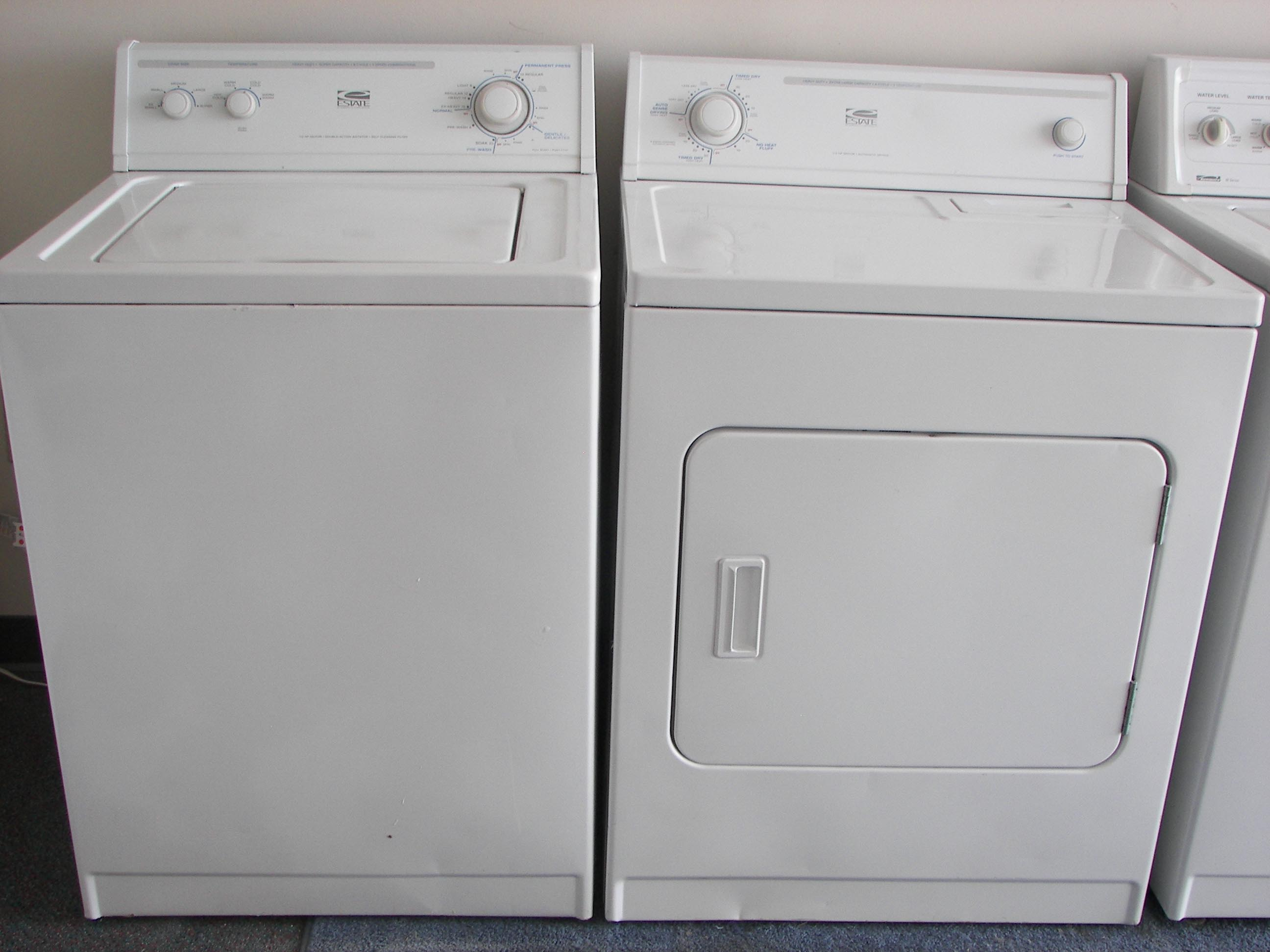 Whirlpool Estate Washer And Dryer Set